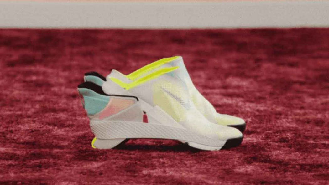 Enemistarse Abrazadera Residente  Nike's New Sneaker Innovation? No Hands Required